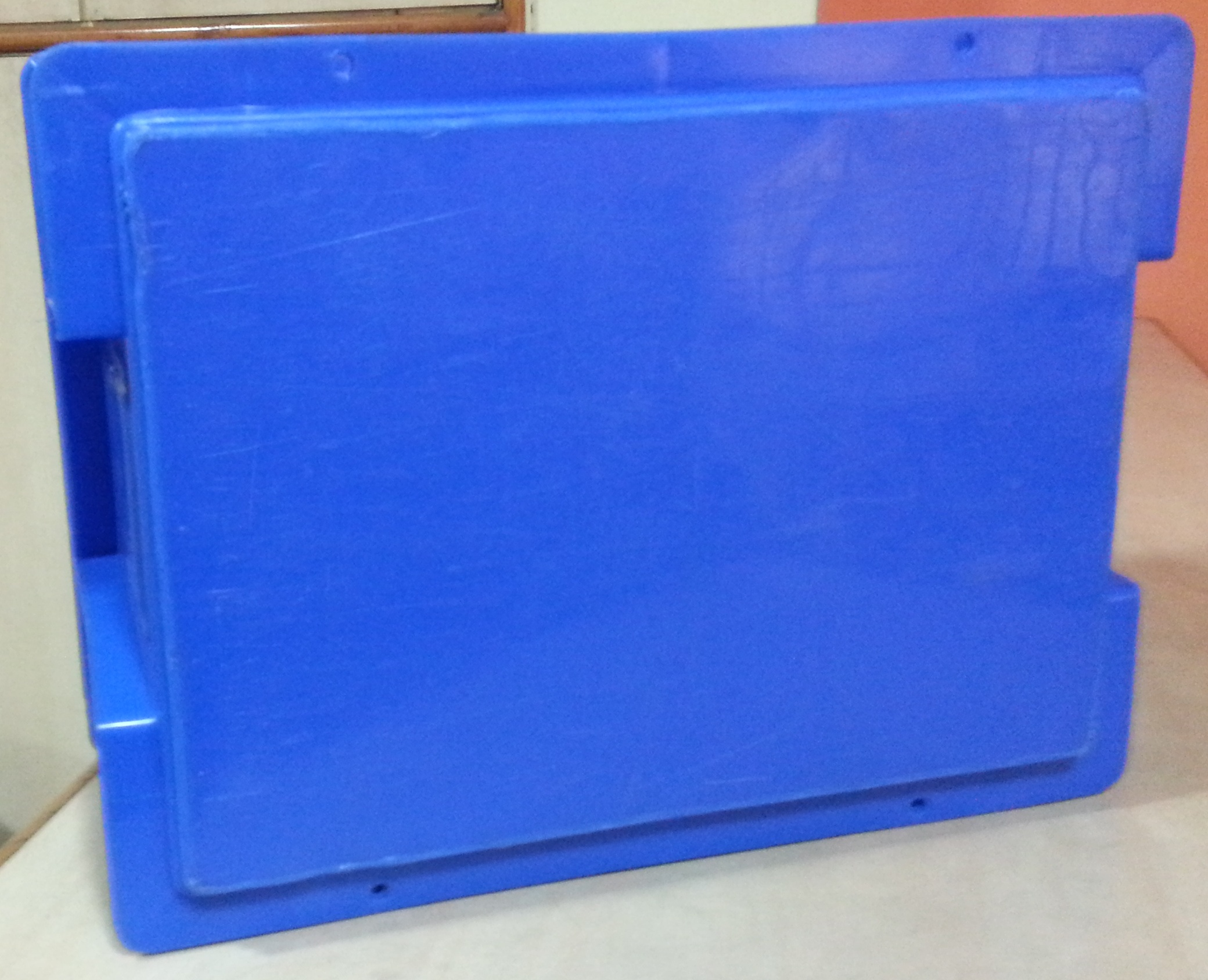 Flat bottomed Plastic crates